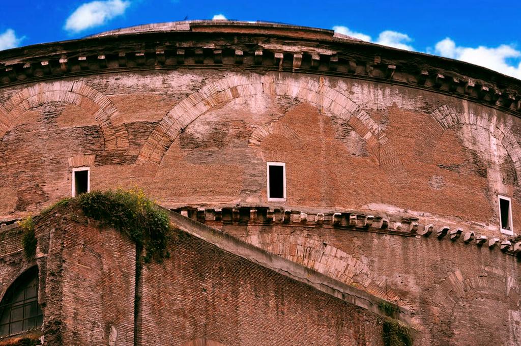 Pantheon, Archi di scarico , 112-124 d.C.
